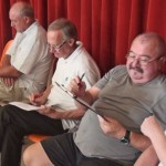 Daniel, Cyrille, Jean-Claude et Michel : spectateurs distraits.